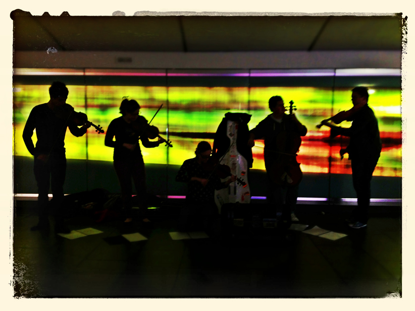 Buskers, Devonshire St tunnel