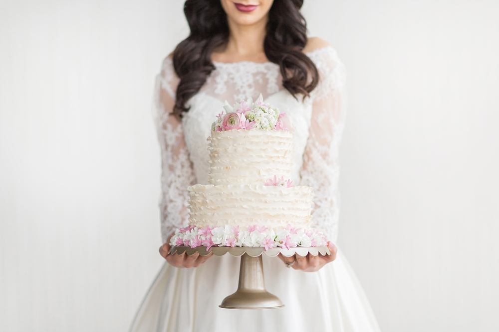 Rosy_Marsala_Lace_Wedding_Styled_Shoot_LPhotographie_0090_5179.jpg