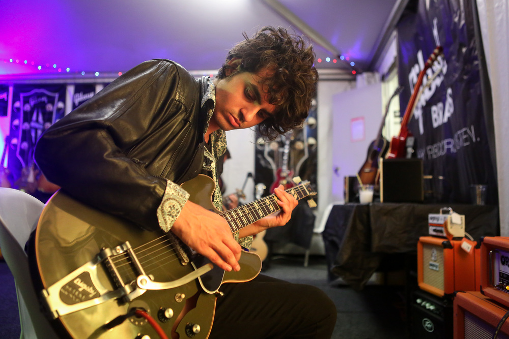 harts, backstage in the gibson tent