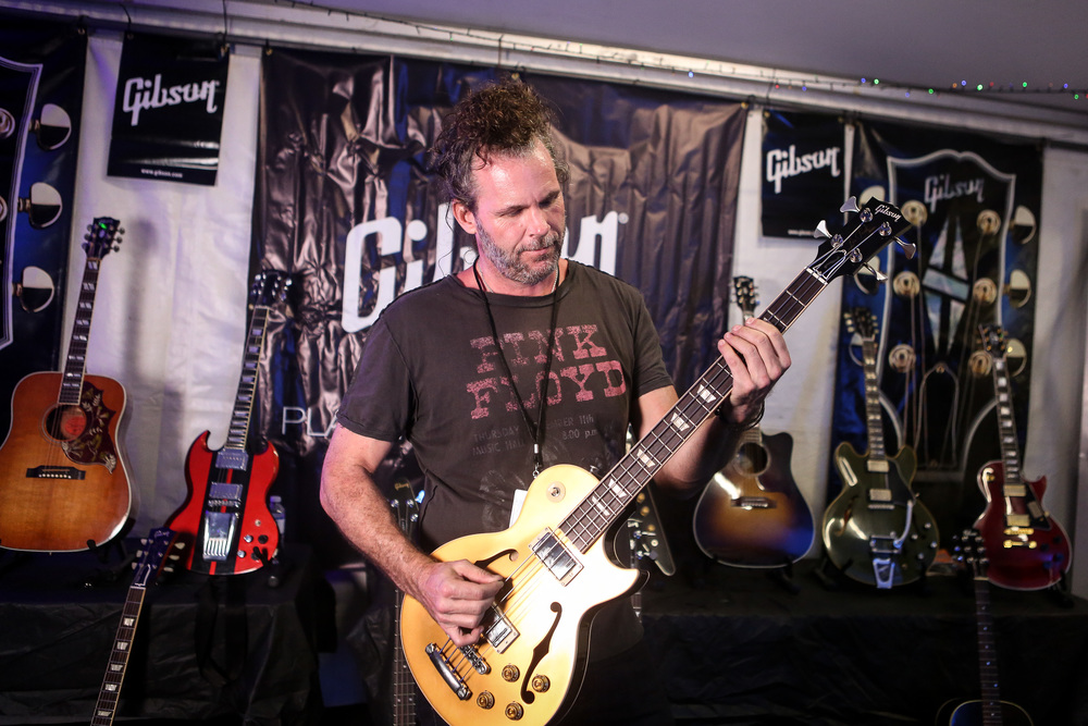 tim lefebvre (david bowie's band), backstage in the gibson tent