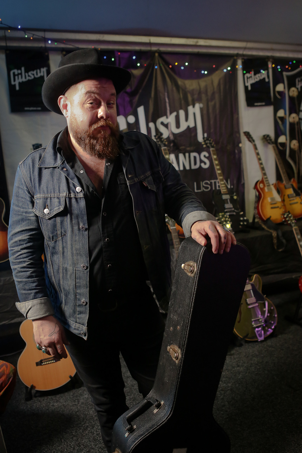 nathaniel rateliff, backstage in the gibson tent