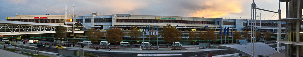 airportpanoraw.jpg