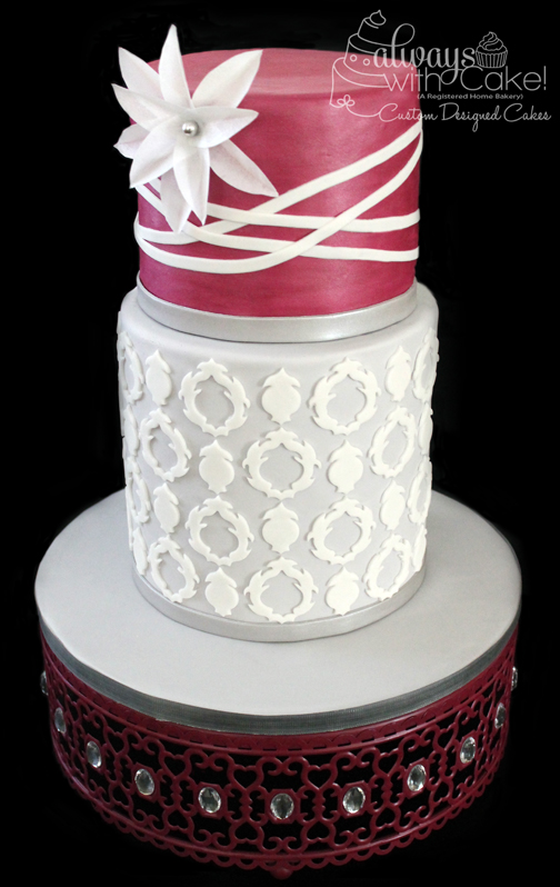 Quartrefoil Wedding Cake