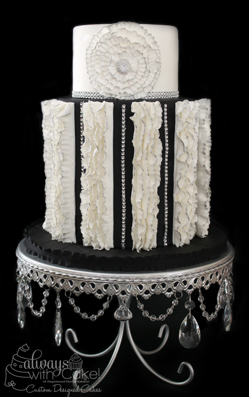 Black & White Elegance Wedding Cake