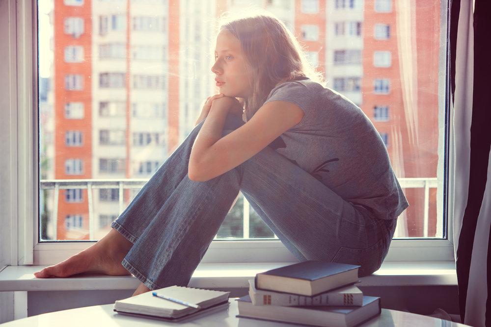 woman thinking unhelpful thoughts