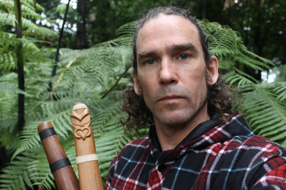 Rob Thorne (Ngāti Tumutumu), performer, composer, anthropologist.