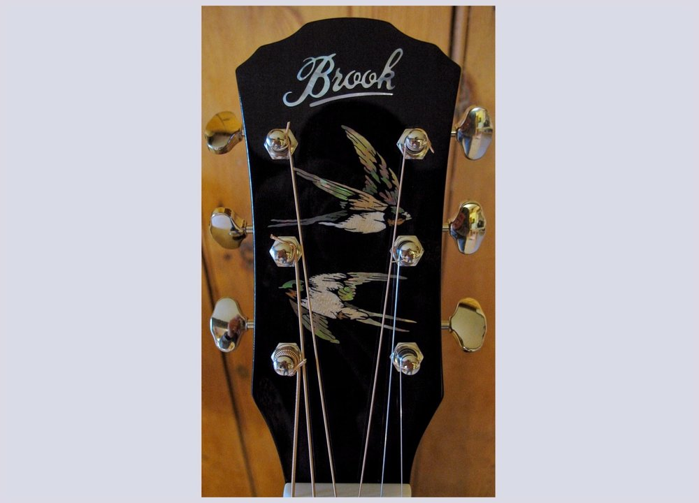 Swallow headstock