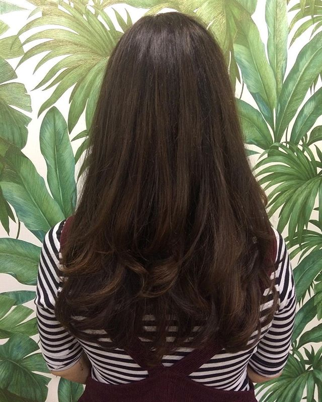 Rich brunette . . . #wellacolour  #magma #wellamagma #wellahair #brunette #curlyblow #manchestersalon #rcnq #hairstylist #hairstory