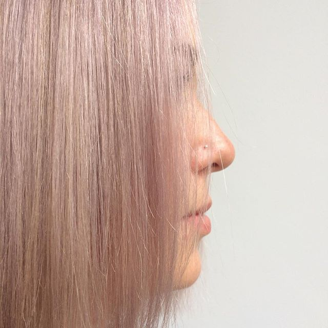 Profile . . . #pinkhair #highlights #wella #wellahair #wellatoner #wellacolour #silverhair #straighthair #shinyhair