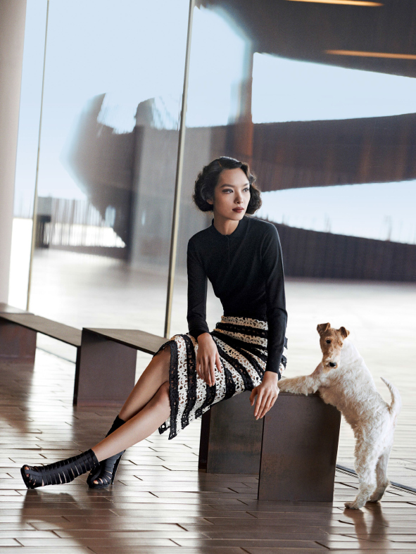 fei-fei-sun-joel-kinnaman-by-peter-lindbergh-for-vogue-us-march-2014-7.jpg