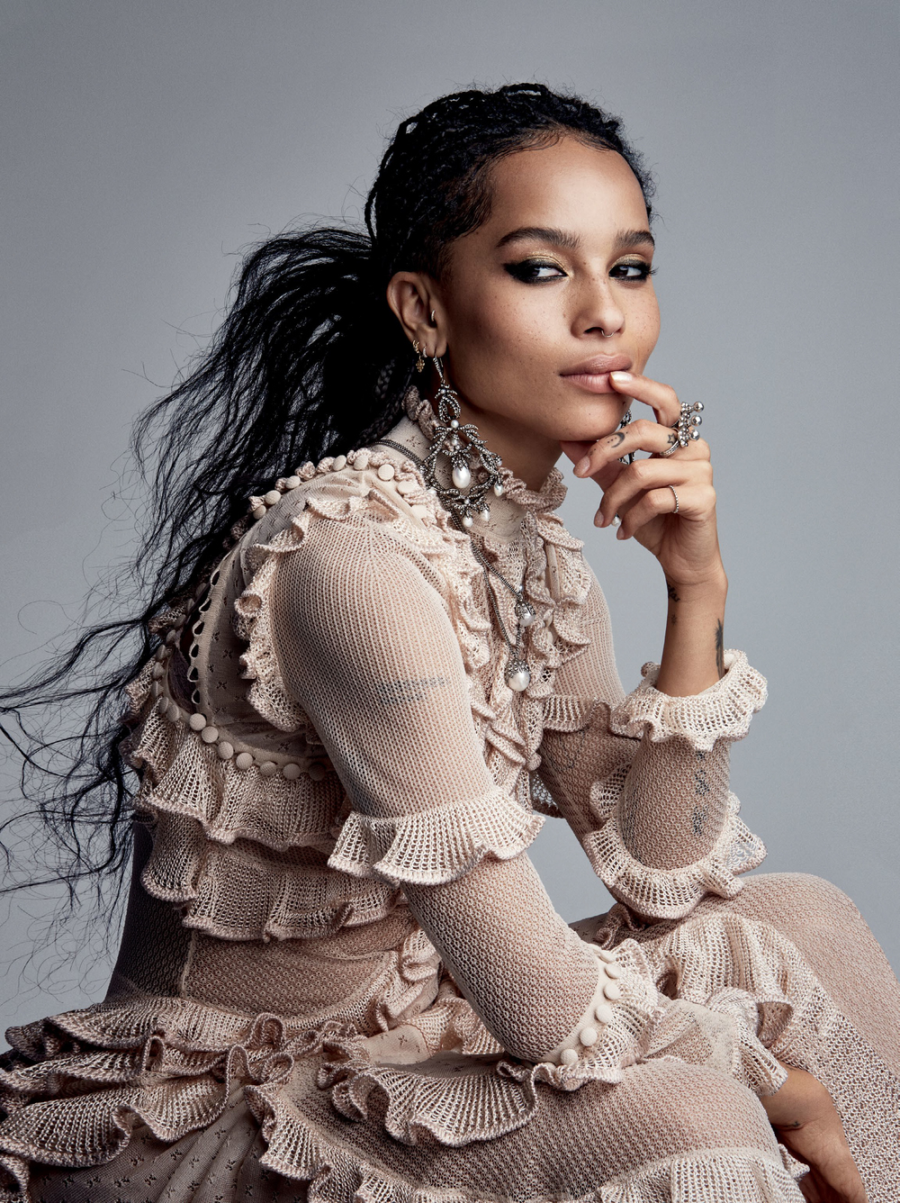 Vogue_US-May_2016-02-Zoe_Kravitz-by-Patrick_Demarchelier.jpg