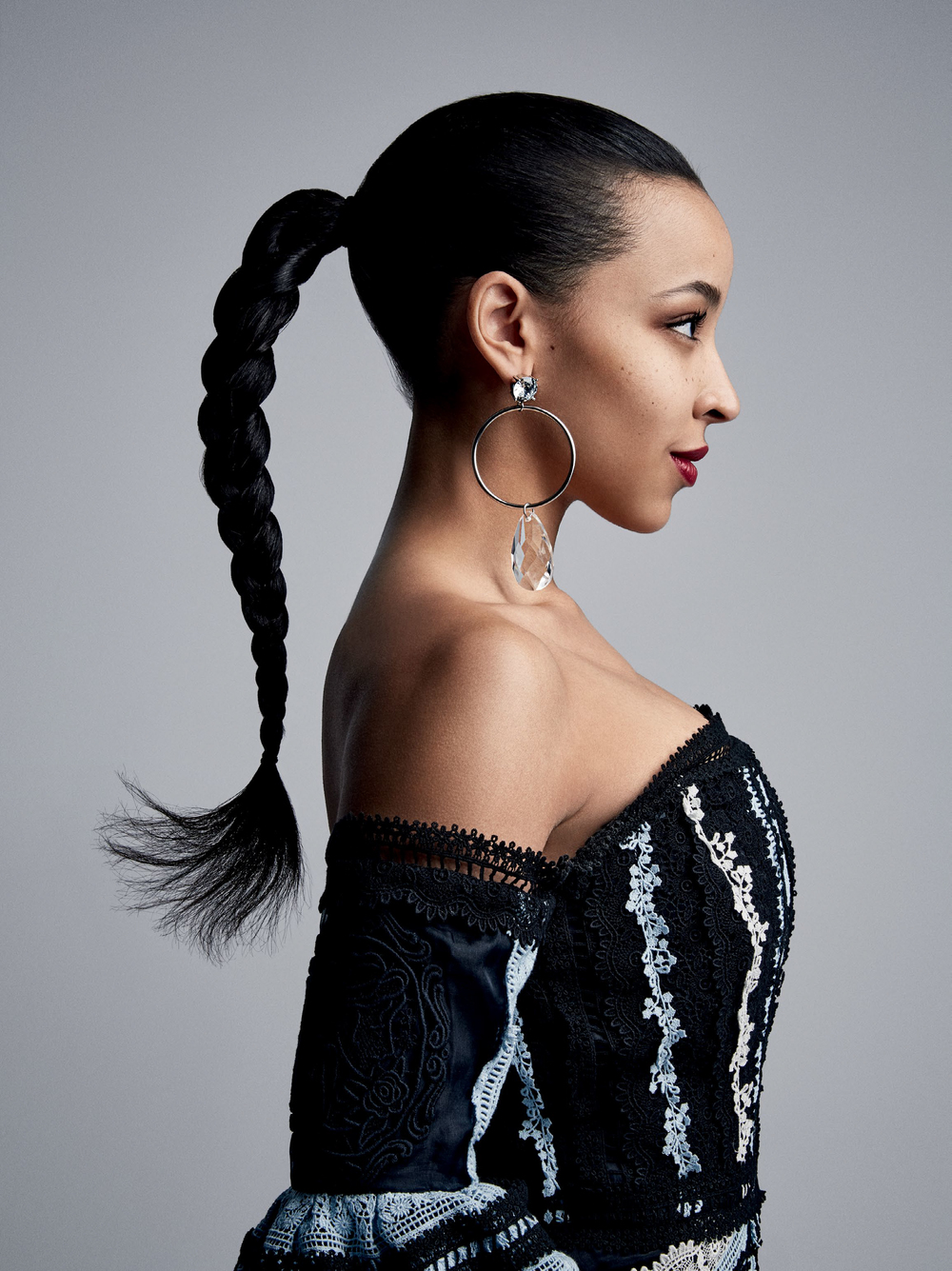 Vogue_US-May_2016-06-Tinashe-by-Patrick_Demarchelier.jpg