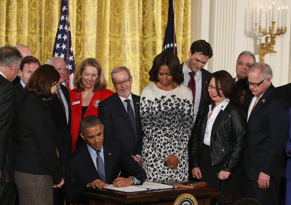 Tory Burch Veteran Suicide Prevention Act signing, Washington DC - February 12, 2015