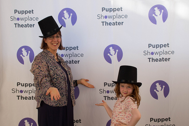 Gala_Image_Mom_and_Daughter_in_Top_Hats.jpg