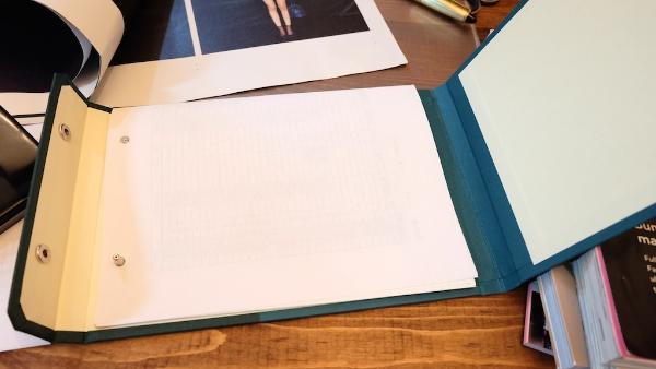無駄紙、裏紙、裏が白ければカタログなんかも。。パッチン>>>パチン!