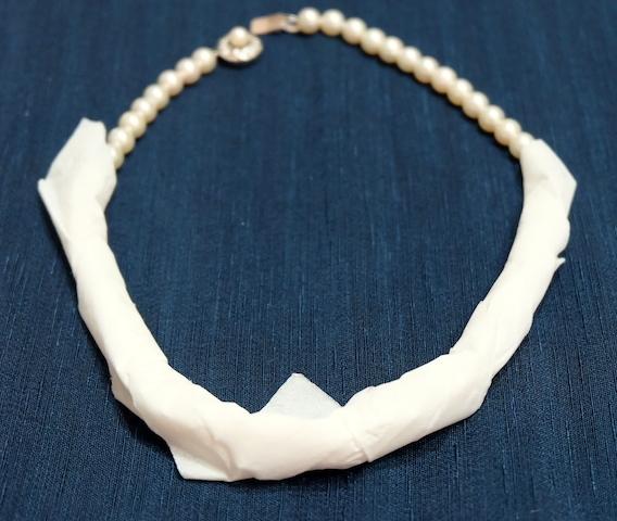 #accessory#organize#closet#pearlnecklace