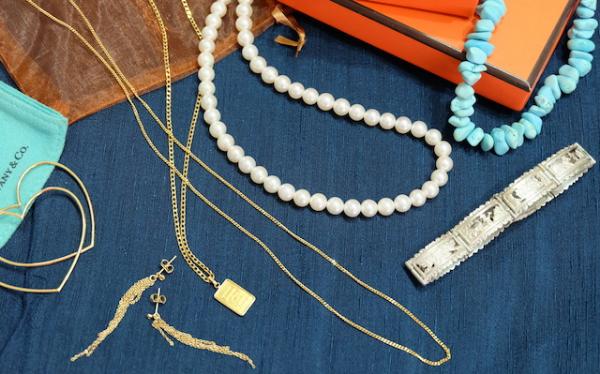 知らぬ間に増えてしまうアクセサリーやジュエリー。。#accessory#organize#close#tiffany#mizuki#hermes