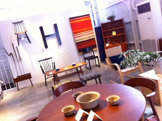 家具は長野県上田市のhalutaとのコラボレーション。 北欧の家具がシンプルでクラシカル。#lakagu#secondfloor#interior#sazaby