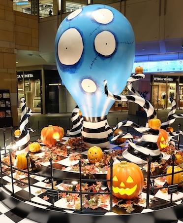 ショッピングモール始め、街全体がハロウィーンディスプレイに  #halloween#display#roppongihills
