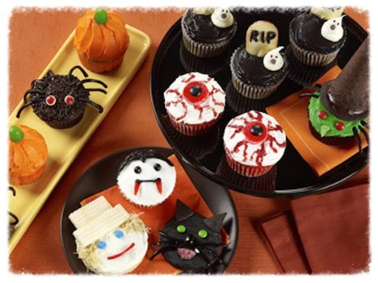 カボチャ、魔女、黒猫、コウモリ、スパイダーなどが定番のキャラクター。クッキーやカップケーキも楽しく。 #halloween#party#pumpkin#boo#parenting#cakes