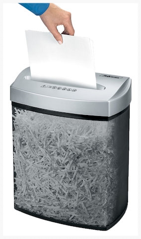 家庭用も業務用も、シュレッダーだってオーバーヒートを冷まし休みながら頑張ってくれる〜。       #paper#shredder#organize#files