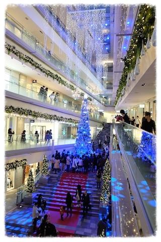 表参道ヒルズ名物のクリスマスツリー、今年も綺麗♡                           #omotesandohills#illumination#christmas#tree
