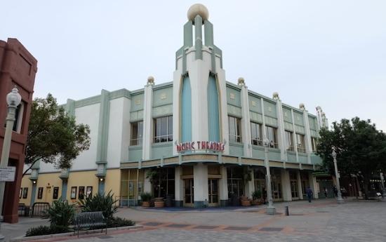 こんな映画館があちこちにある。 #culver#city#losangeles#pacific#theater
