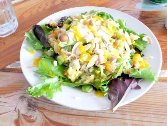 アボカド、レーズン、グリーンなどなど。。なんだか、本当にすっごく美味しかった!!#caomo#warehousedistrict#nora#neworleans#salad#brazillian#cafe