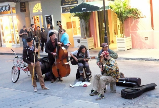 街のあちらこちらで、こんなストリートバンドが音を奏でている。 #street#music#nola#french#quarter