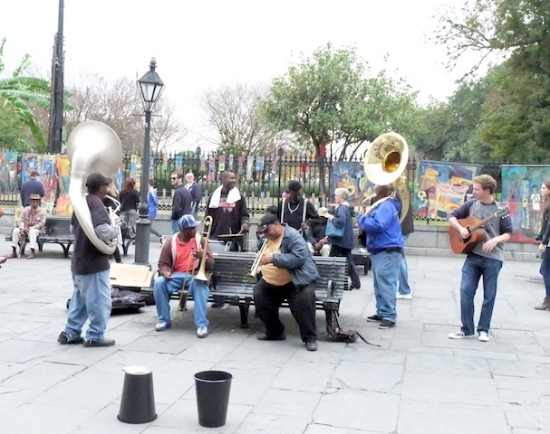 #neworleans#frenchquarter#band#music#performancce.JPG