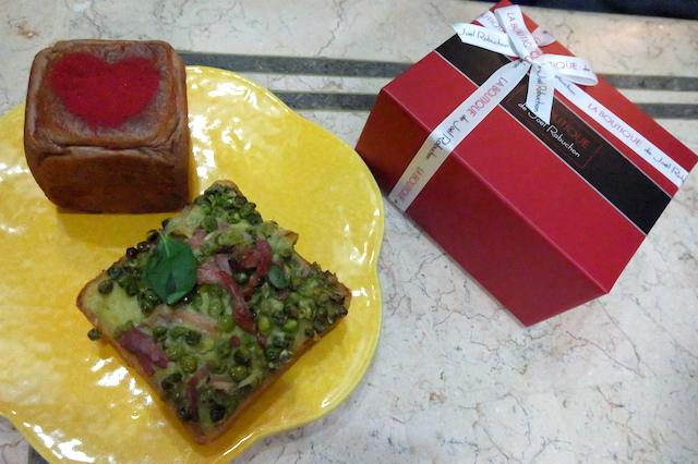 フランボワーズショコラ、グリンピースのクロックムッシュ、焼き菓子(ブラウニー、マドレーヌ等)