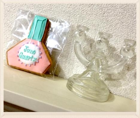 こんな可愛いクッキーいただいたので。。食べられず。。リビングに飾ってあります(^^)