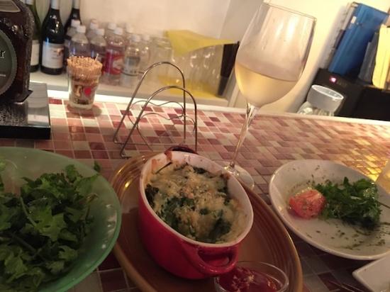 パクチーのカプレーゼとか、グラタンとか。。パクチーに合う白ワインは、本当に相性バツグン!