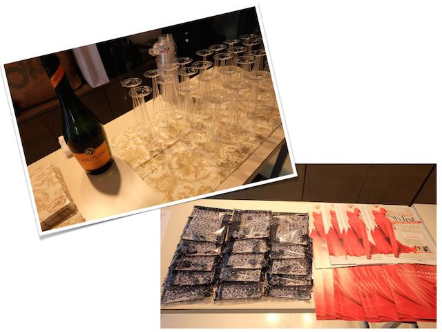 入口でお客様をお迎えする準備。シャンパンやアイスティーでリラックスしていただいて。お土産もいろいろ〜!