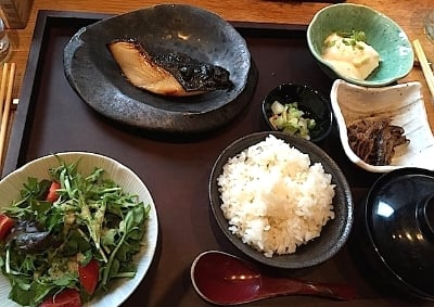 Teishoku(定食)の西京焼を。日本で標準、でもこちらではレベル高いと思います(^^)