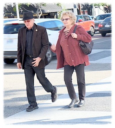 LAでは街を歩けば、いくつになっても仲の良い素敵なカップルに出会う。