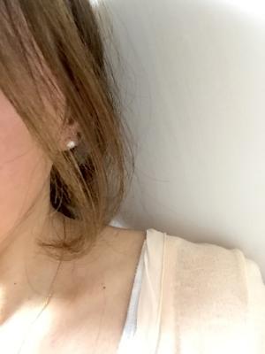 ほわほわな後れ毛でも、計算された分量やカットの角度でキレイに見える♡