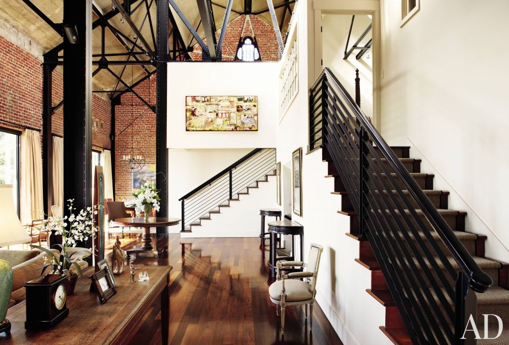 Loft-like Entrance Hall
