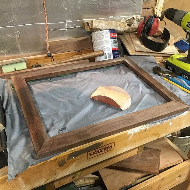 I've been working on making my own #pictureframes recently. Finally getting those last few coats of finish on the first one.