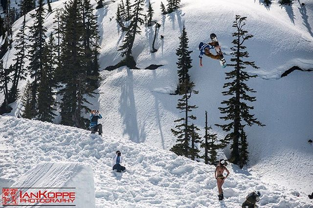 @wainosworld sending it big at the #mtbakerseshup 2017! Super fun time on Sunday getting buck with the NW shred community.  If you want to see more photos from that event and shenanigans afterwards I will be posting a blog post in the next few hours! #seshup #snowboarding #kicker #mtbaker @therealmtbakerskiarea