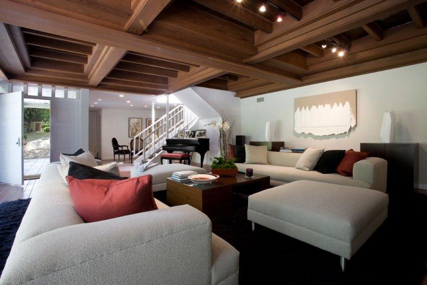 dp-living-room-staircase-1024.jpg