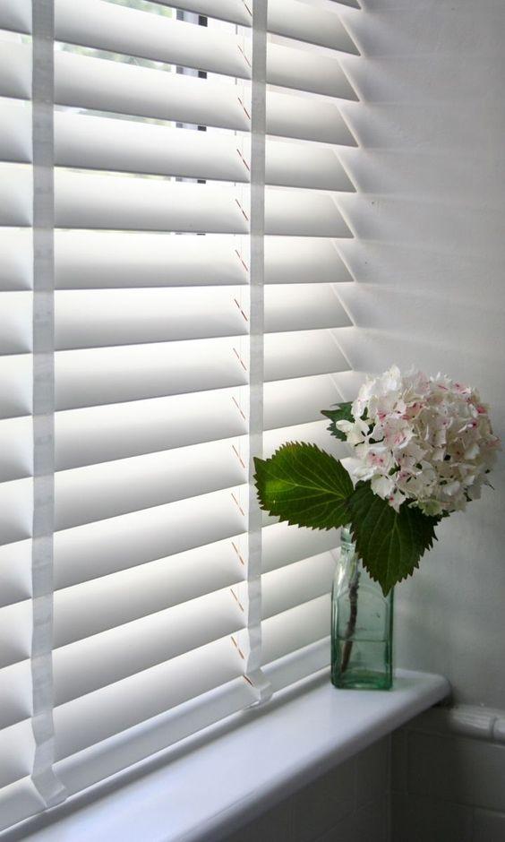 curtains & blinds - venetian blinds