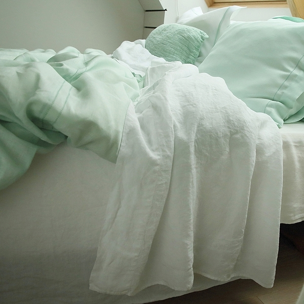 Art group bed linen 14.jpg