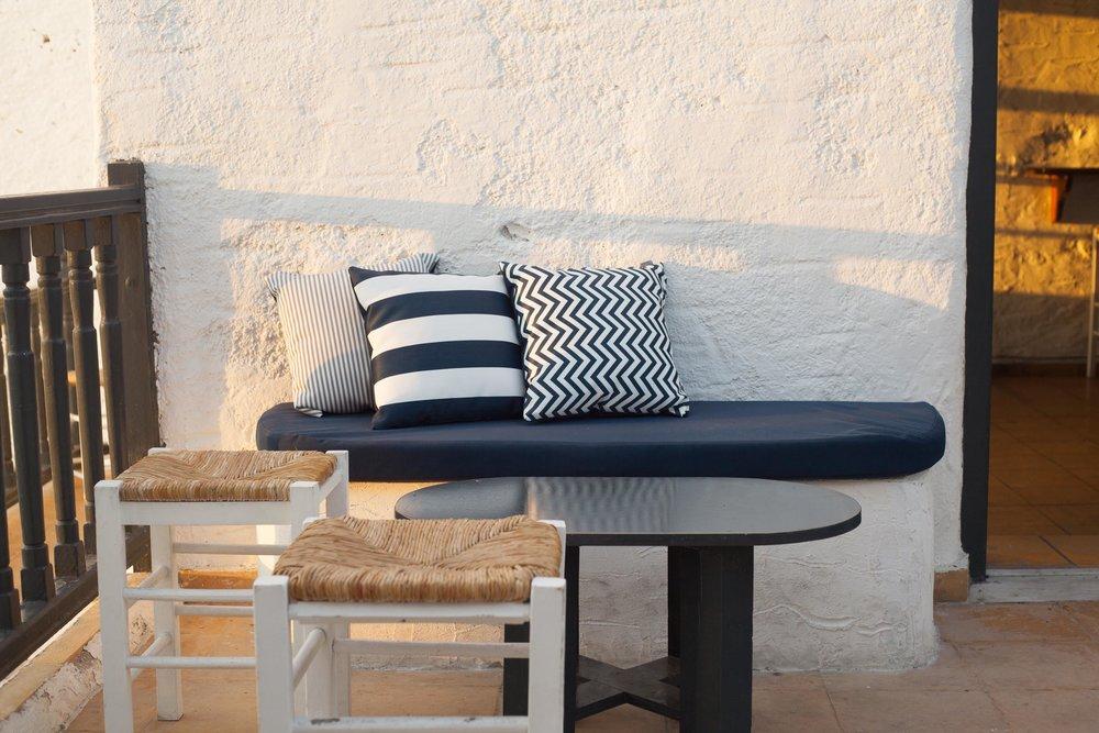 Art group outdoor pillows 26.jpg