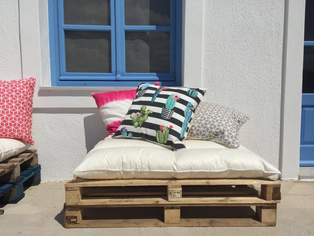 Art group outdoor pillows 79.JPG