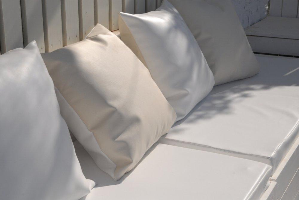 Art group outdoor pillows 90.JPG