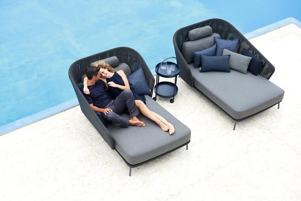 Mega daybed right and left-1200px.jpg