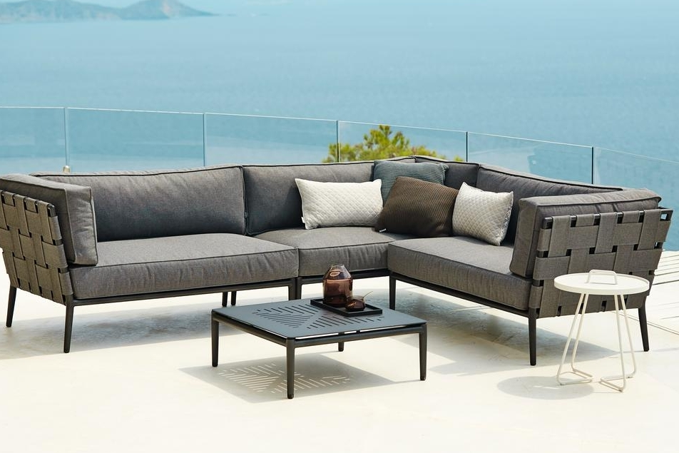 ART GROUP OUTDOOR COUCH 12.jpg