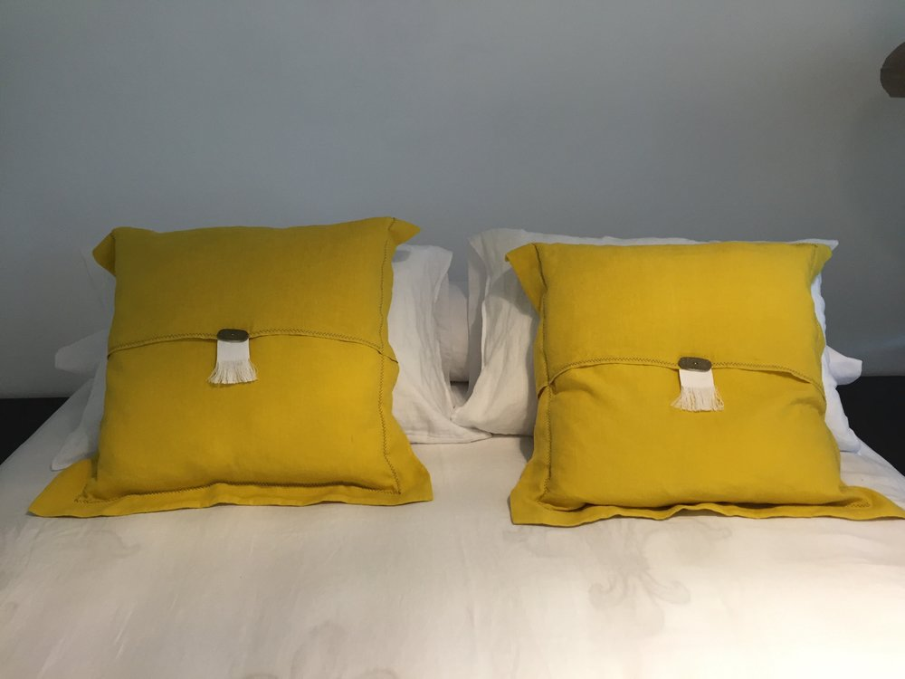 ART GROUP INDOOR PILLOWS 25.jpg