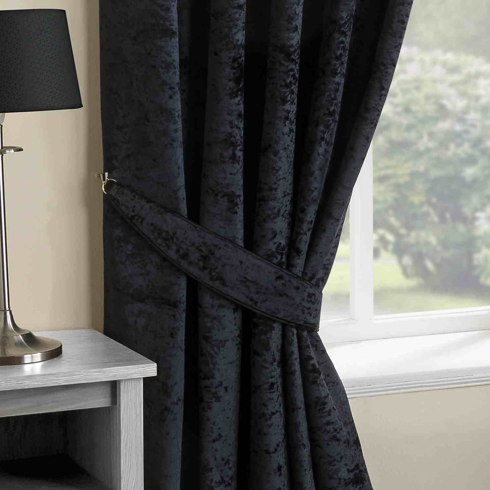 VELVET CURTAINS 4 ART GROUP.jpg